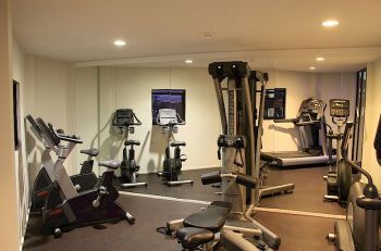 Guests shared gym in Sydney